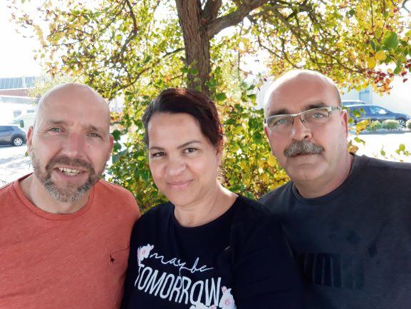 Robert, Naomi en René